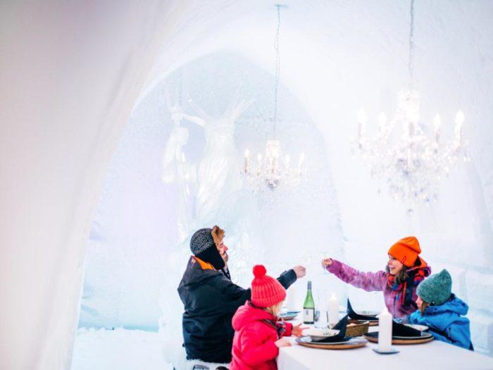 Гостиница Запорожье Отель Театральный - 7 зимових отелей - Snowman World Igloo Hotel